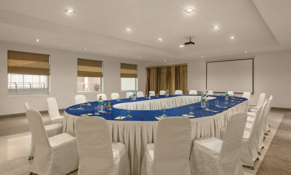 Host the Perfect Conference at Neemrana