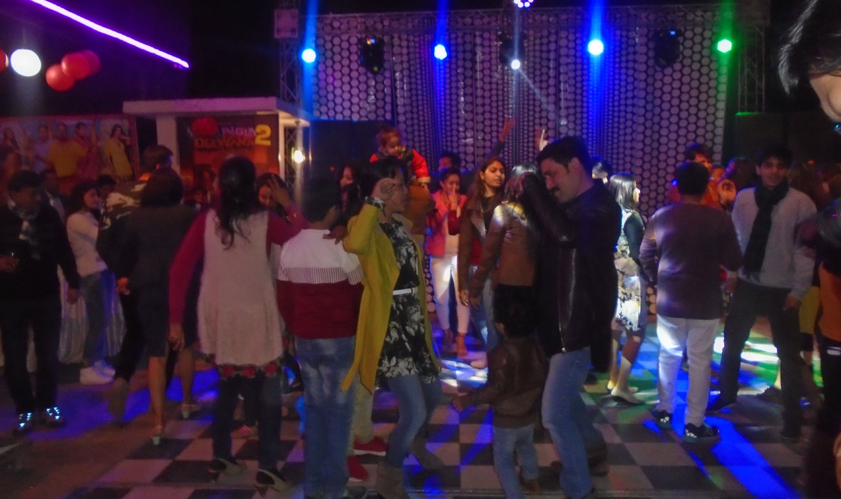 Bollywood-Night-Theme-New-Year-Eve-Party-2018--1